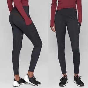 Athleta | Black High Traverse 7/8 Tight Leggings M